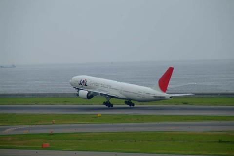 JAL-B772